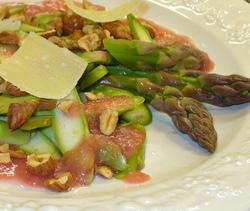 Asparagus salad with rhubarb vinaigrette (Cancler)